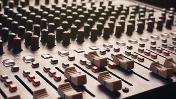 2. Lydkulisser og lydeffekter