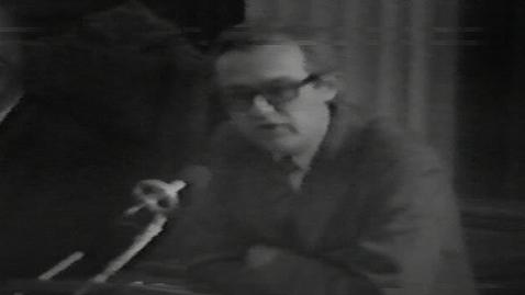 Thumbnail for entry TV-avis, der refererer til forespørgselsdebat fra SF i Folketinget om stop for læreruddannelsen på RUC