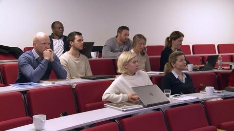 Thumbnail for entry Studer MBA på Universitetet i Agder (32 sek)