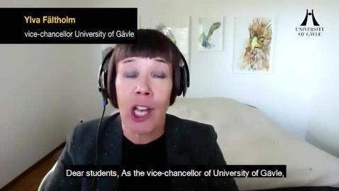 Thumbnail for entry Videohälsning till studenter som tar examen - engelsk version