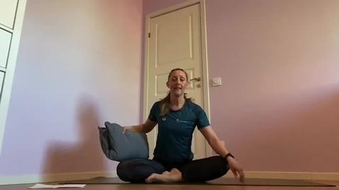 Miniatyr för inlägg Lugn yoga 2