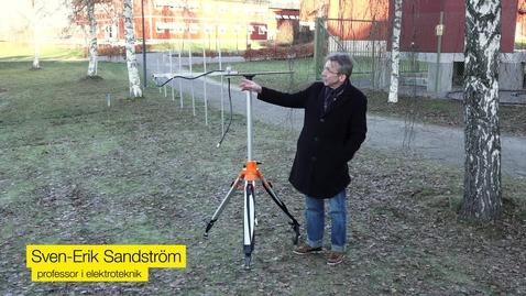 Miniatyr för mediepost Sven-Erik forskar om radiovågor som kan se genom skog