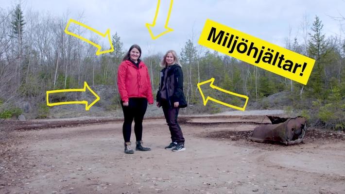 Nora Fredh och Maria Augustsson undersöker nedlagda deponier