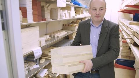 Thumbnail for entry Thomas forskar om förband inom träindustrin